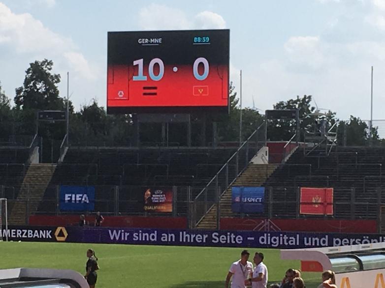 Deutliche Angelegenheit: Die Anzeigetafel zeigt am Ende das 10:0 für Deutschland an.